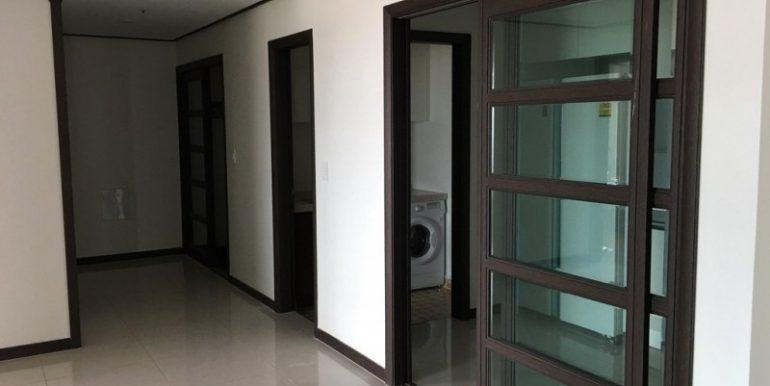 3-bedroom condo for rent in BKK1 (4)