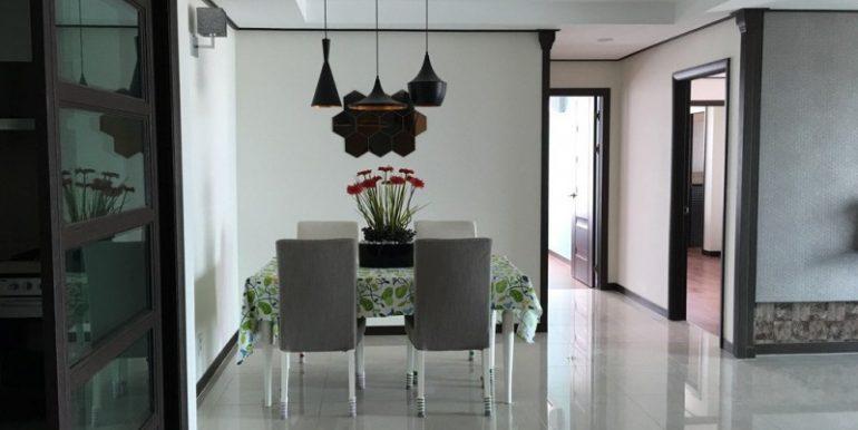 3-bedroom condo for rent in BKK1 (5)