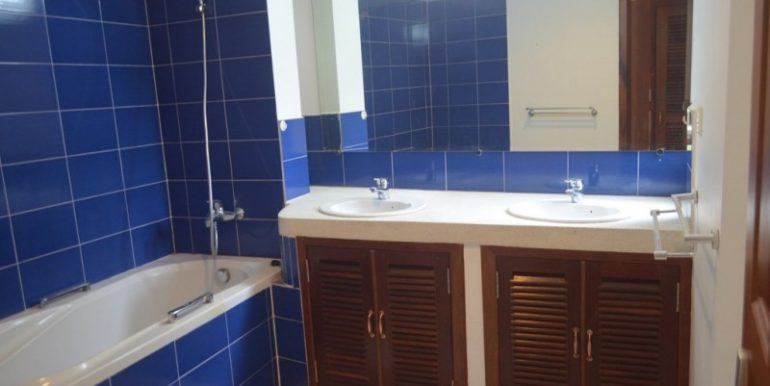 3 Bedrooms Service Apartment For Rent In Tonlebasak (5)