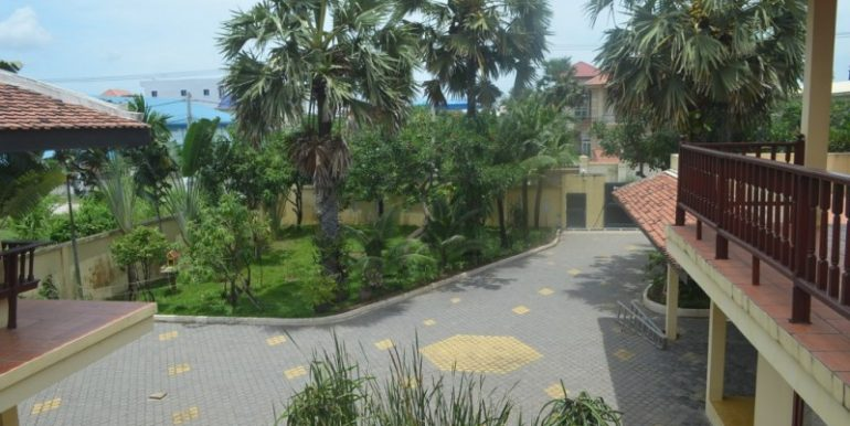 Big villa for sale (16)
