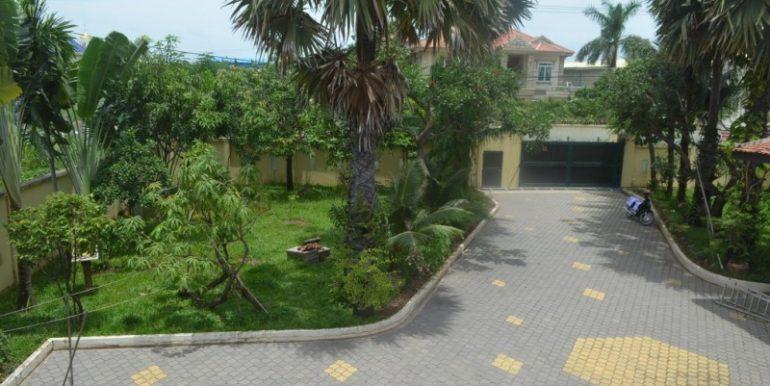 Big villa for sale (18)