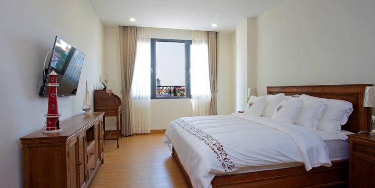 5-SM bedroom