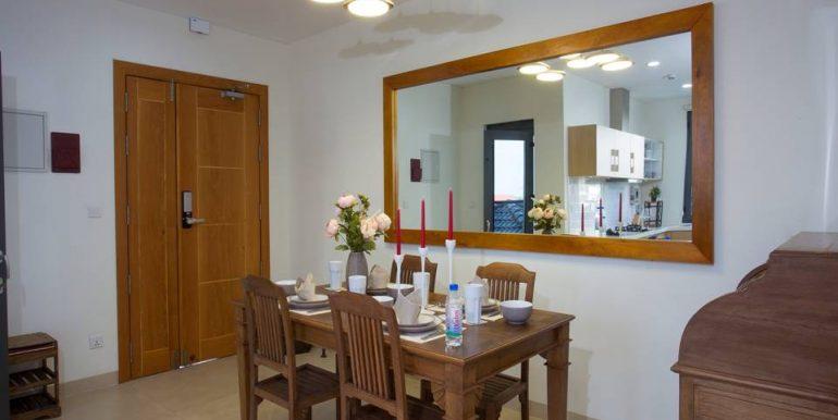 9-SM Dining Area
