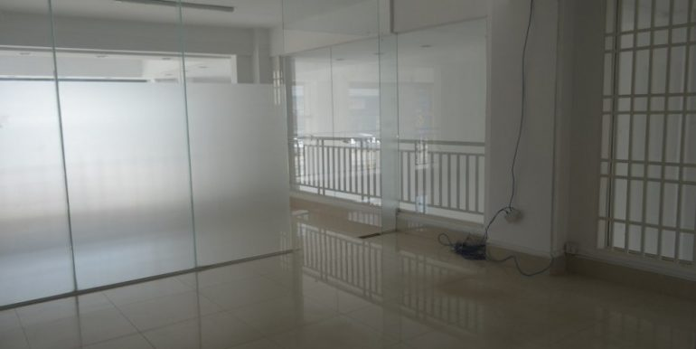 Shop house For Rent on Russain Blvd In Teuk thla (5)